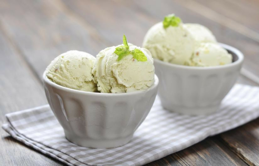 Delicious, homemade ice cream made with only five ingredients? No way!