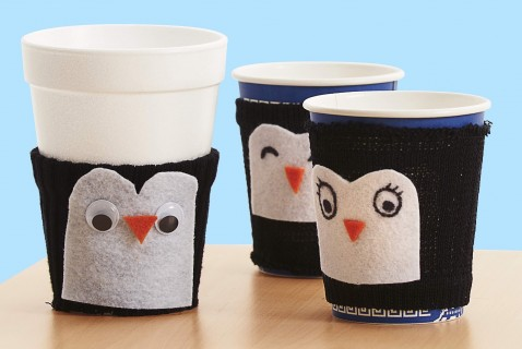 A cute craft and a science lesson all in one, this fuzzy penguin can help keep your kiddos hot cocoa warm all winter long!